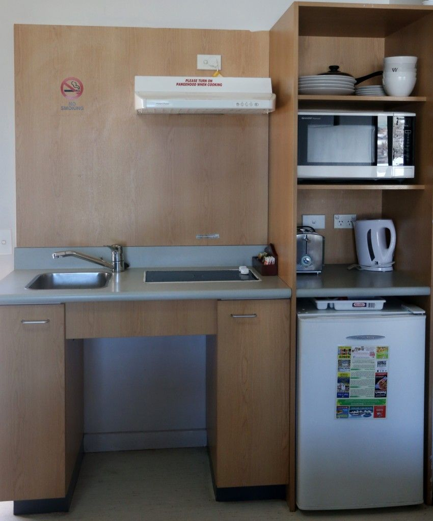 Tourist Flat kitchen (2)