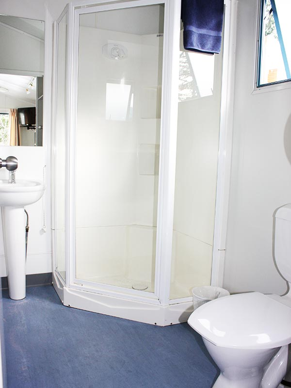 selfContainedCabinBathroom